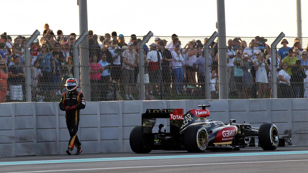 Kimi Raikkonen retired from the race on the first lap 03.11.2013 Abu Dhabi Grand Prix