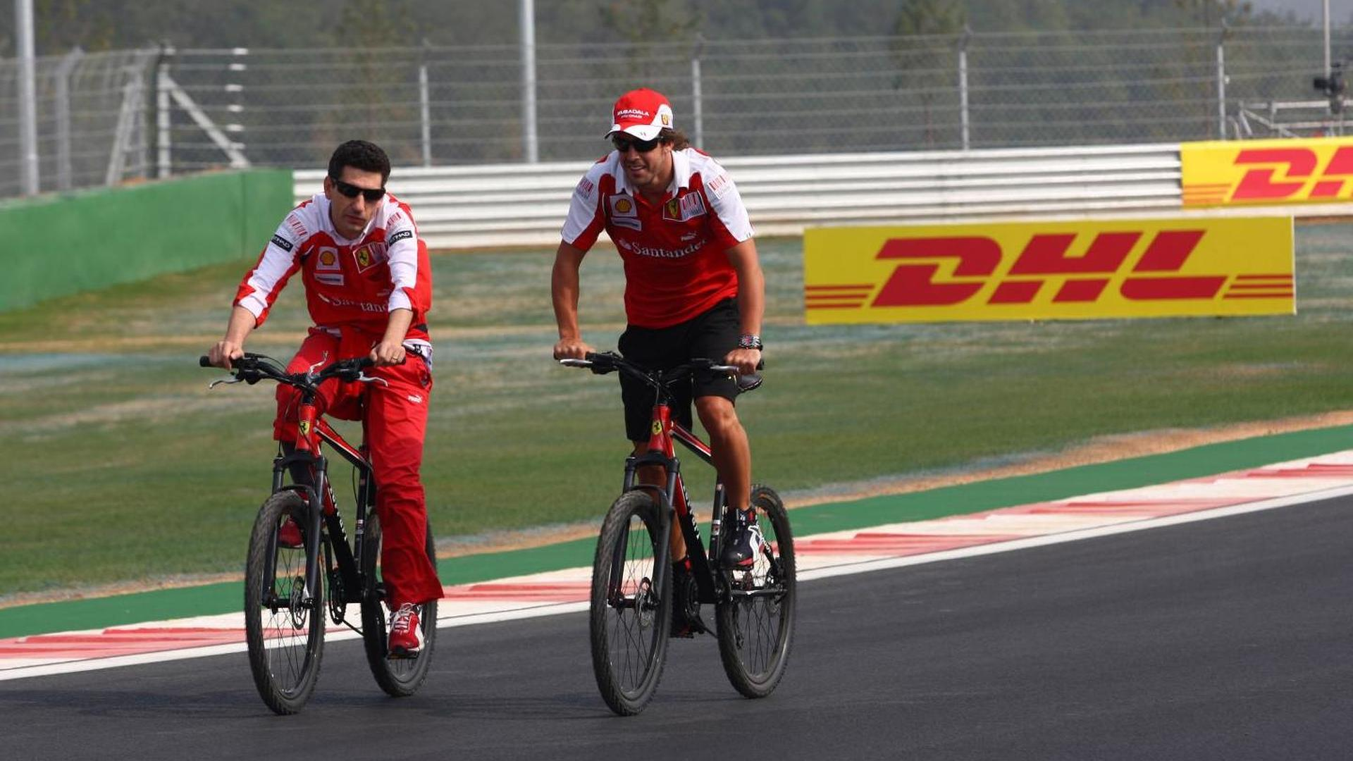 F1 career turmoil stopped Alonso's cycling dream