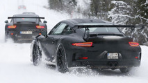 Porsche 911 GT3 RS caught playing in the snow