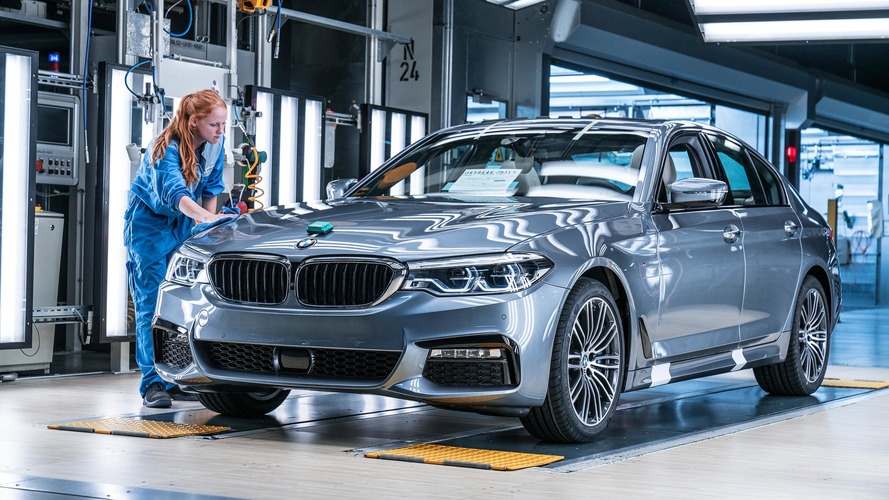 See how much the 2017 BMW 5 Series costs in Germany, U.K.