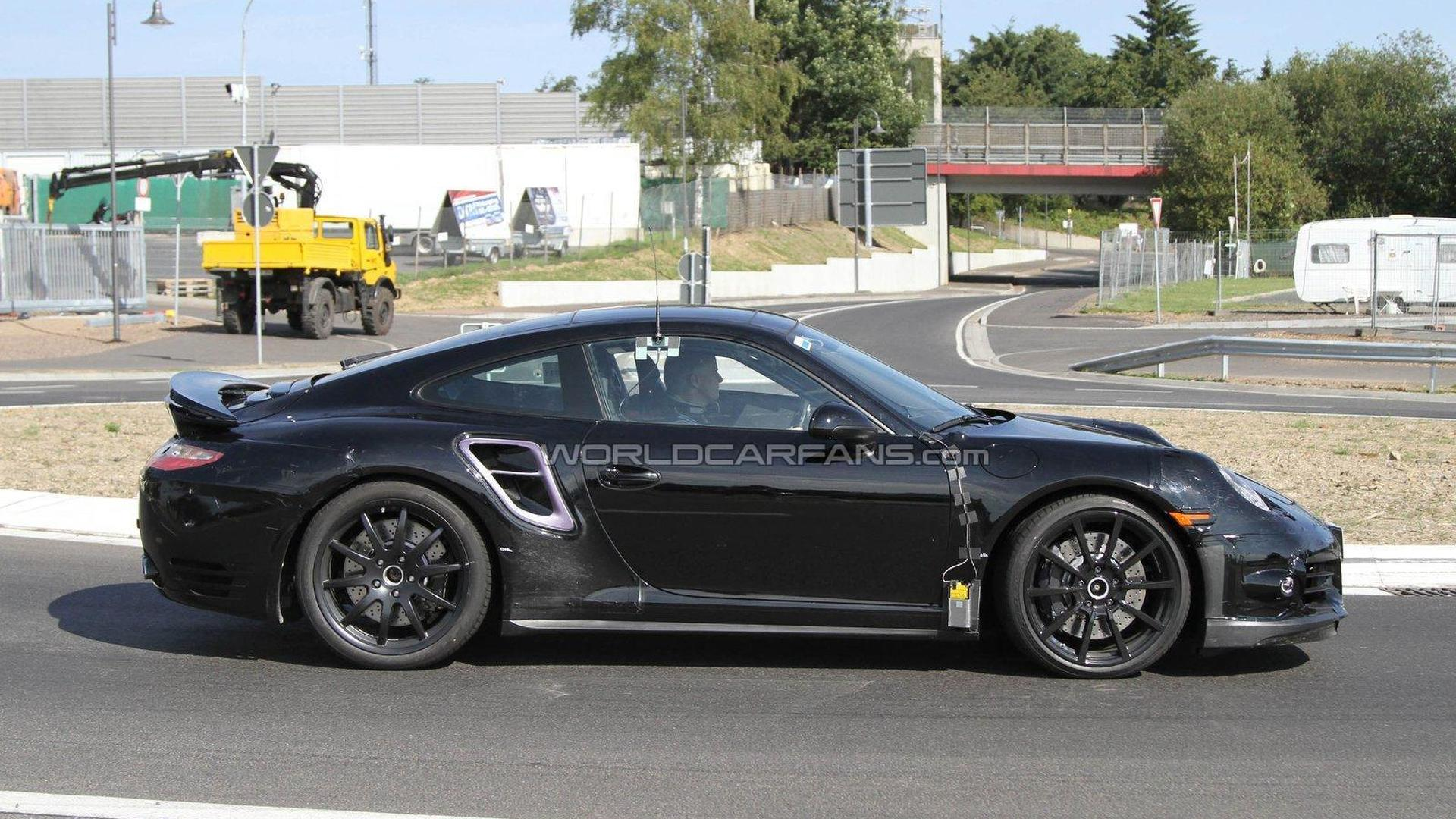 2012 Porsche 911 Carrera (991) spied on the street [video]