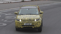 Land Rover Evoque 5-door spied testing on the Nürburgring