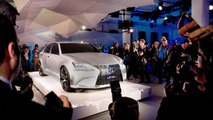 Lexus LF-Gh Hybrid Concept live in New York 19.04.2011