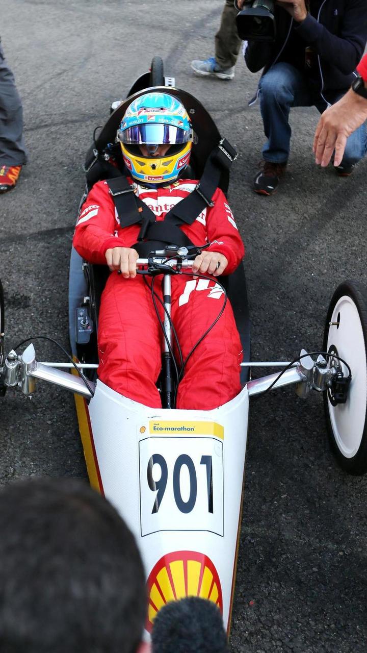 Fernando Alonso (ESP), drives a car from the Shell Eco Marathon, 21.08.2014, Belgian Grand Prix, Spa Francorchamps / XPB