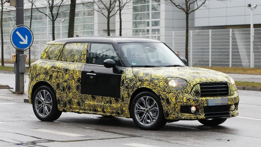 New Mini Countryman caught testing on rainy day