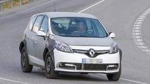 Renault Grand Scenic mule spy photo