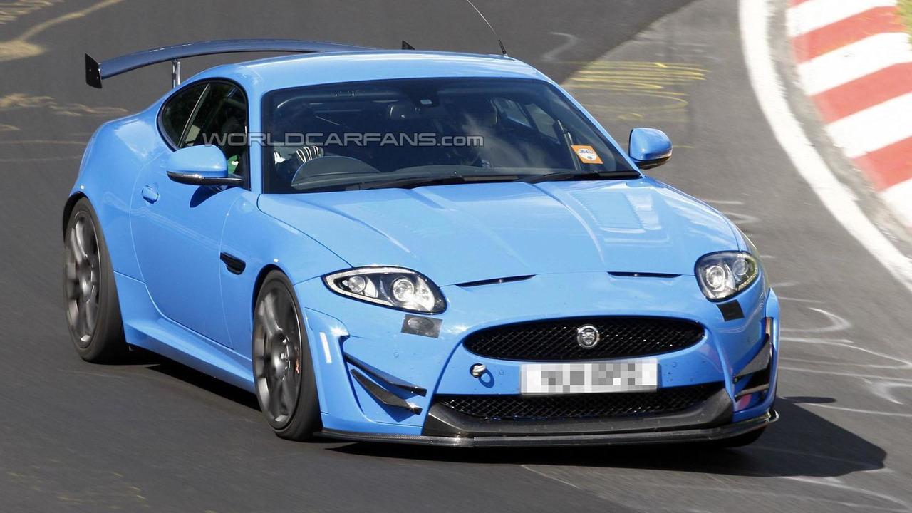 Track-focused Jaguar XKR-S spy photo 19.6.2012