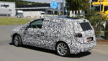 2014 Volkswagen Golf Plus spied up close