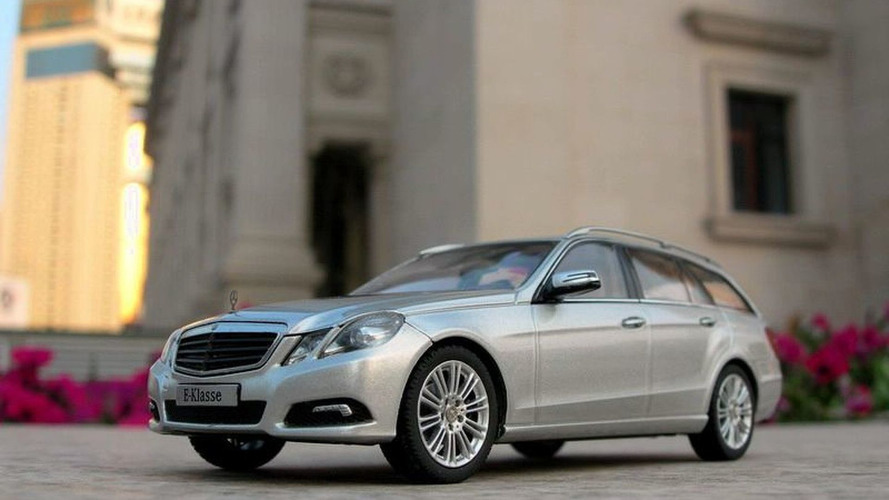 2010 Mercedes E-Class Estate 1:43 Scale Model Images Surface