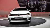 Volkswagen Golf VII GTI Performance is quite thirsty in 250 km/h top speed test [video]
