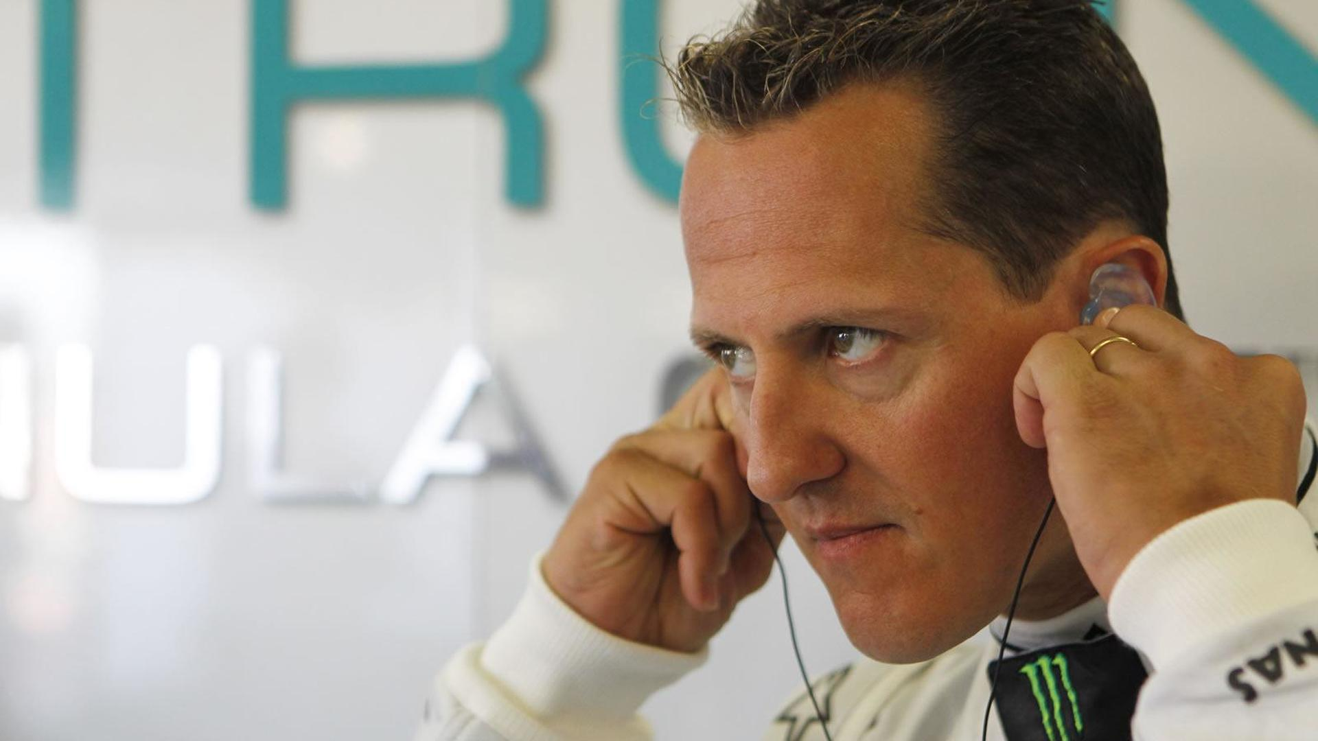 Stewart tips Schumacher to retire before 2011