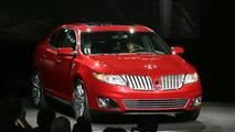Lincoln MKS Ready for LA Debut