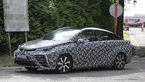 2015 Toyota FCV spy photo