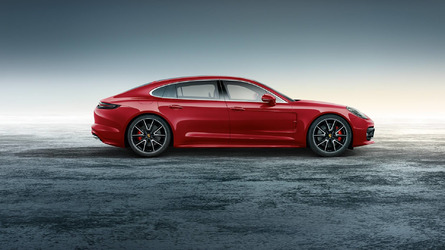 Porsche gets into the Christmas spirit with fancy Panamera Turbo Executive