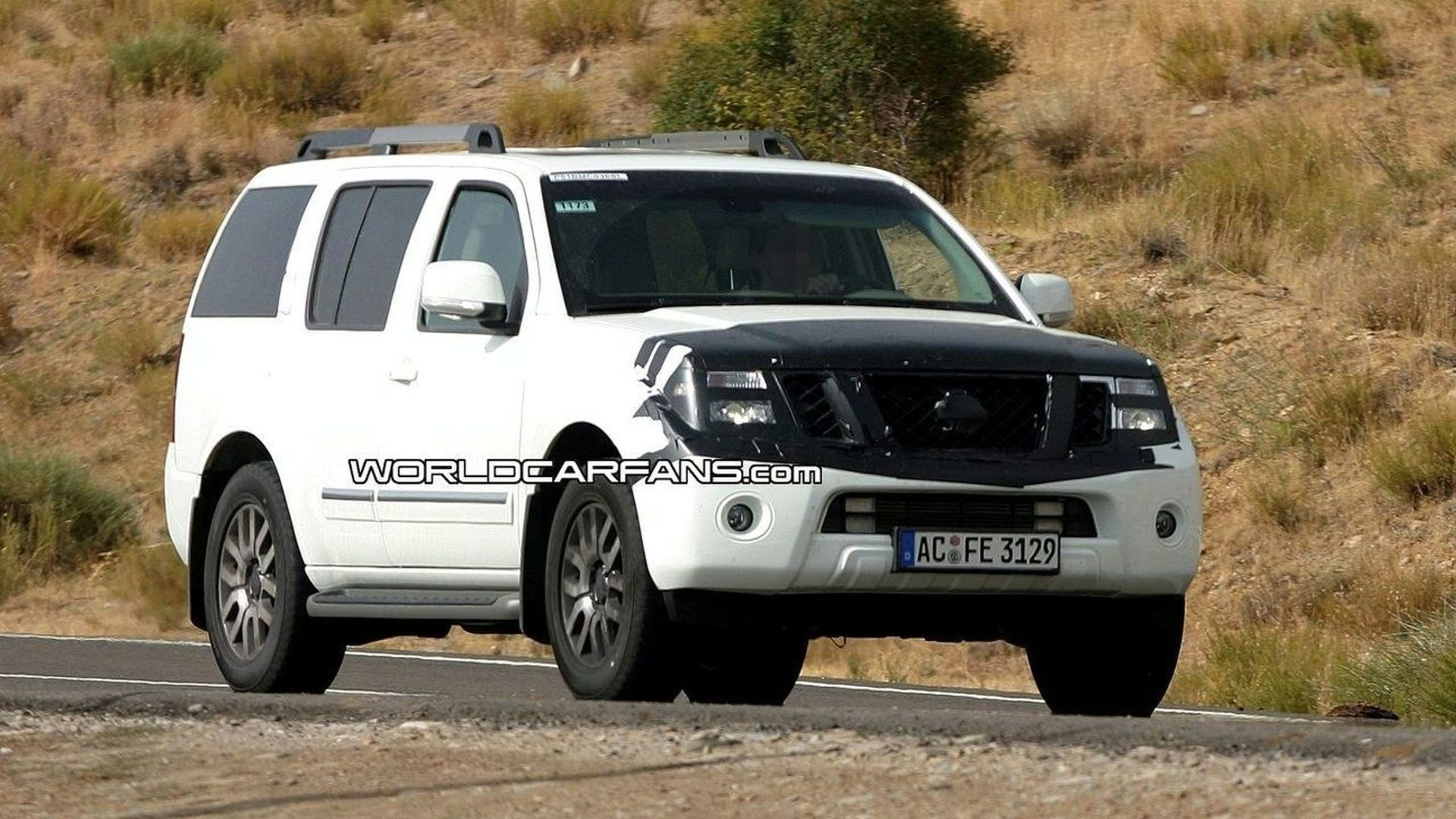 Nissan Pathfinder Facelift Spy Photos