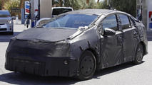 Next-gen Toyota Prius launch pushed back until late 2015 due to design problem