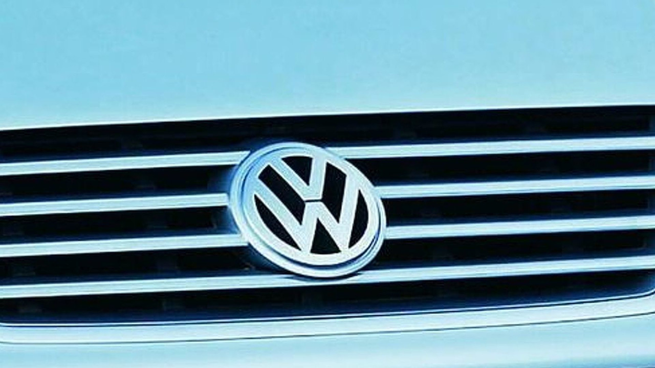 Volkswagen Sharan Grille with logo