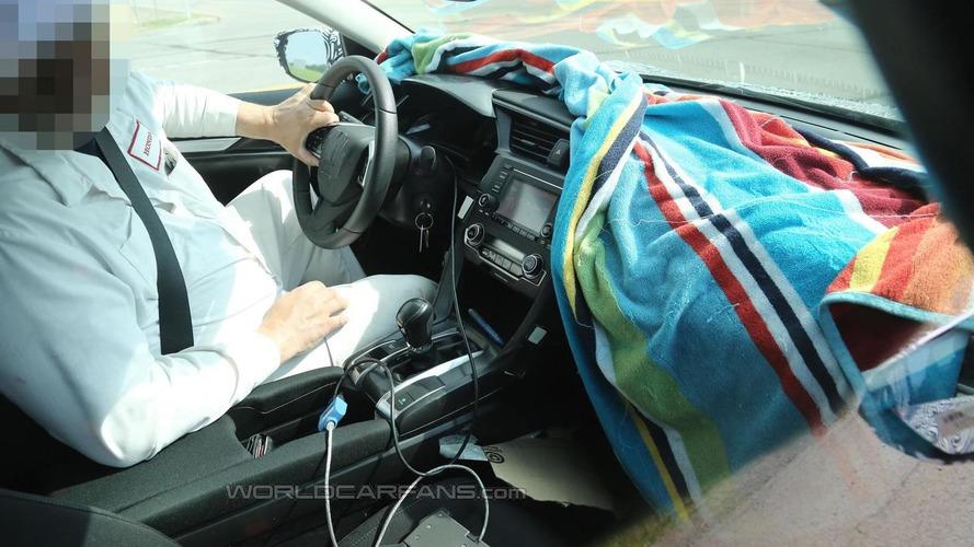 Next generation Honda Civic Sedan interior partially revealed in latest spy shots