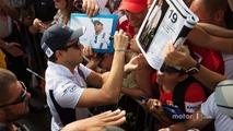 Felipe Massa, Williams signs autographs for the fans
