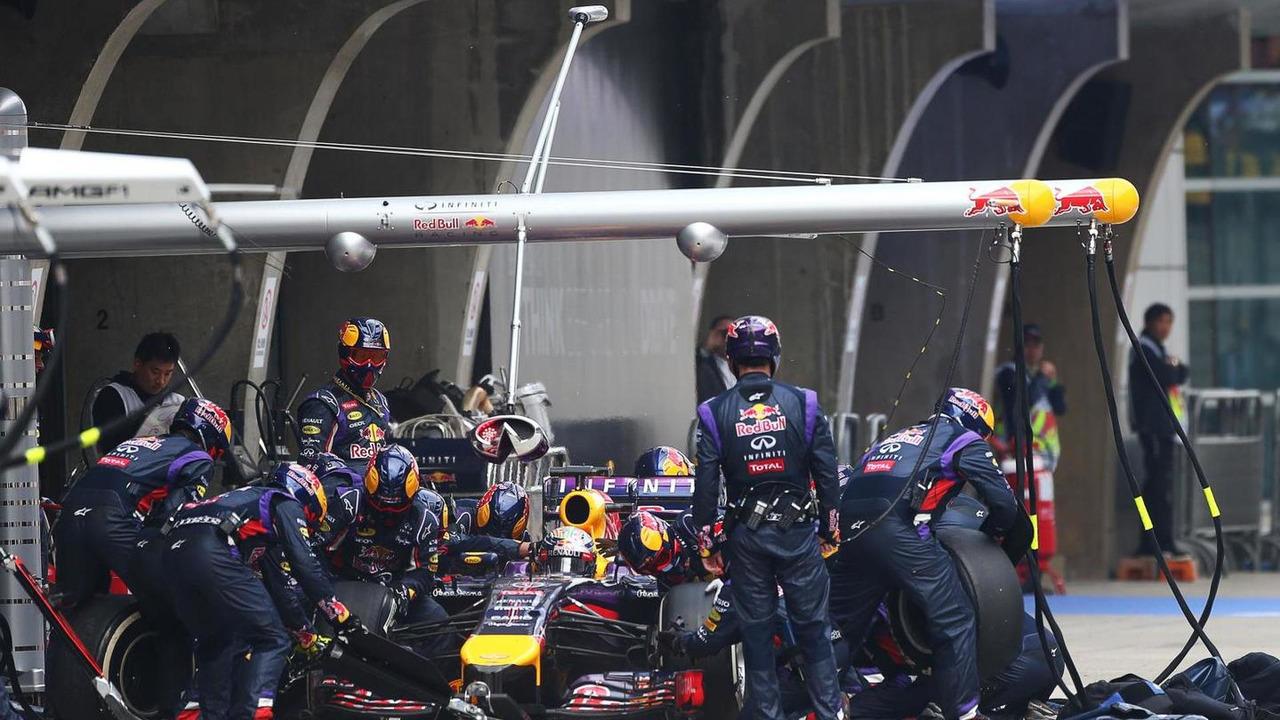 Sebastian Vettel (GER) makes a pit stop, 20.04.2014, Chinese Grand Prix, Shanghai, China / XPB