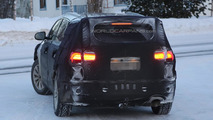 2015 Kia Sorento prototype spied showing larger dimensions
