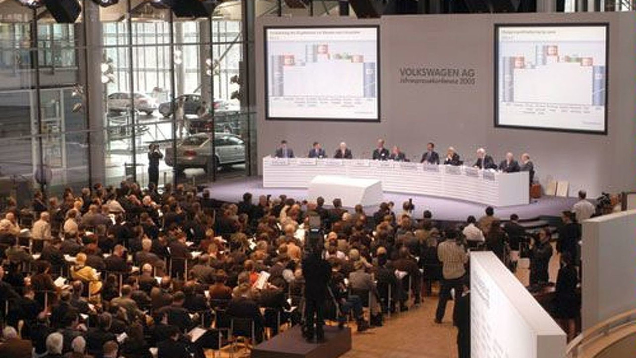 VW Annual Press Conference 2003