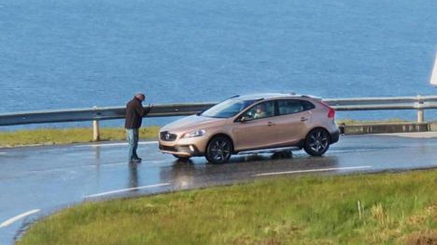 Volvo XC40 spied undisguised
