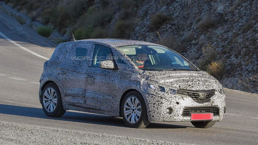 2017 Renault Scenic spied with production body for the first time