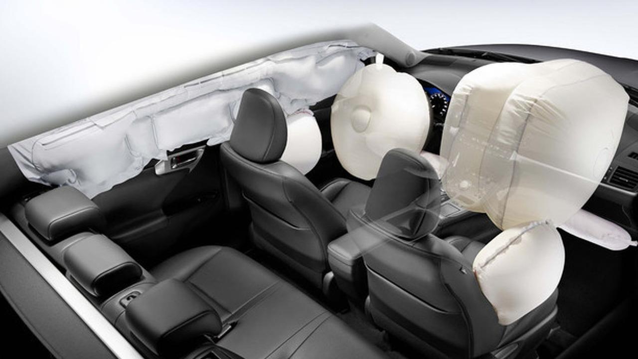 Lexus CT 200h airbags