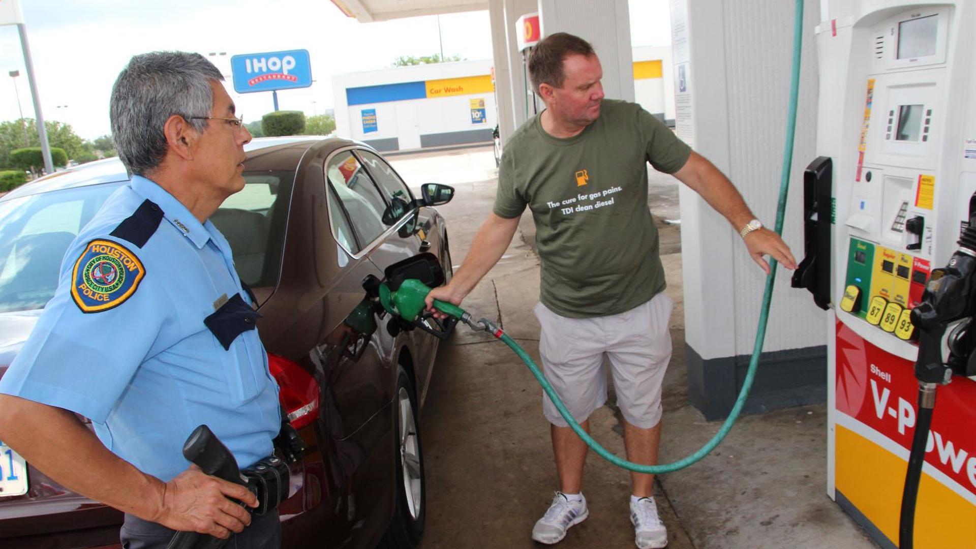 Volkswagen Passat TDI sets long distance record on a single tank of diesel