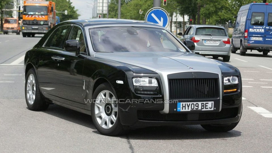 Rolls-Royce Ghost spotted with two-tone front end