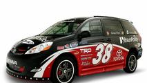 Ultimate NASCAR Fan Sienna Rampvan
