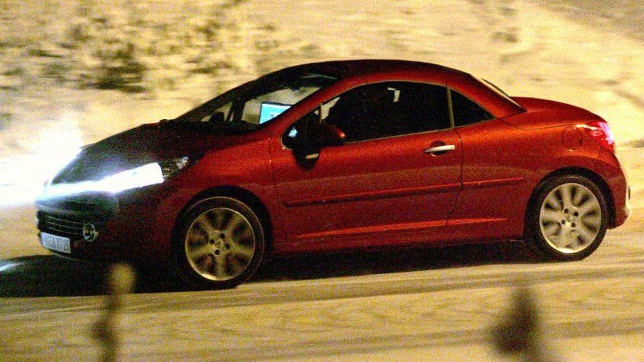 Peugeot 207 Coupe Convertible Spy Photo
