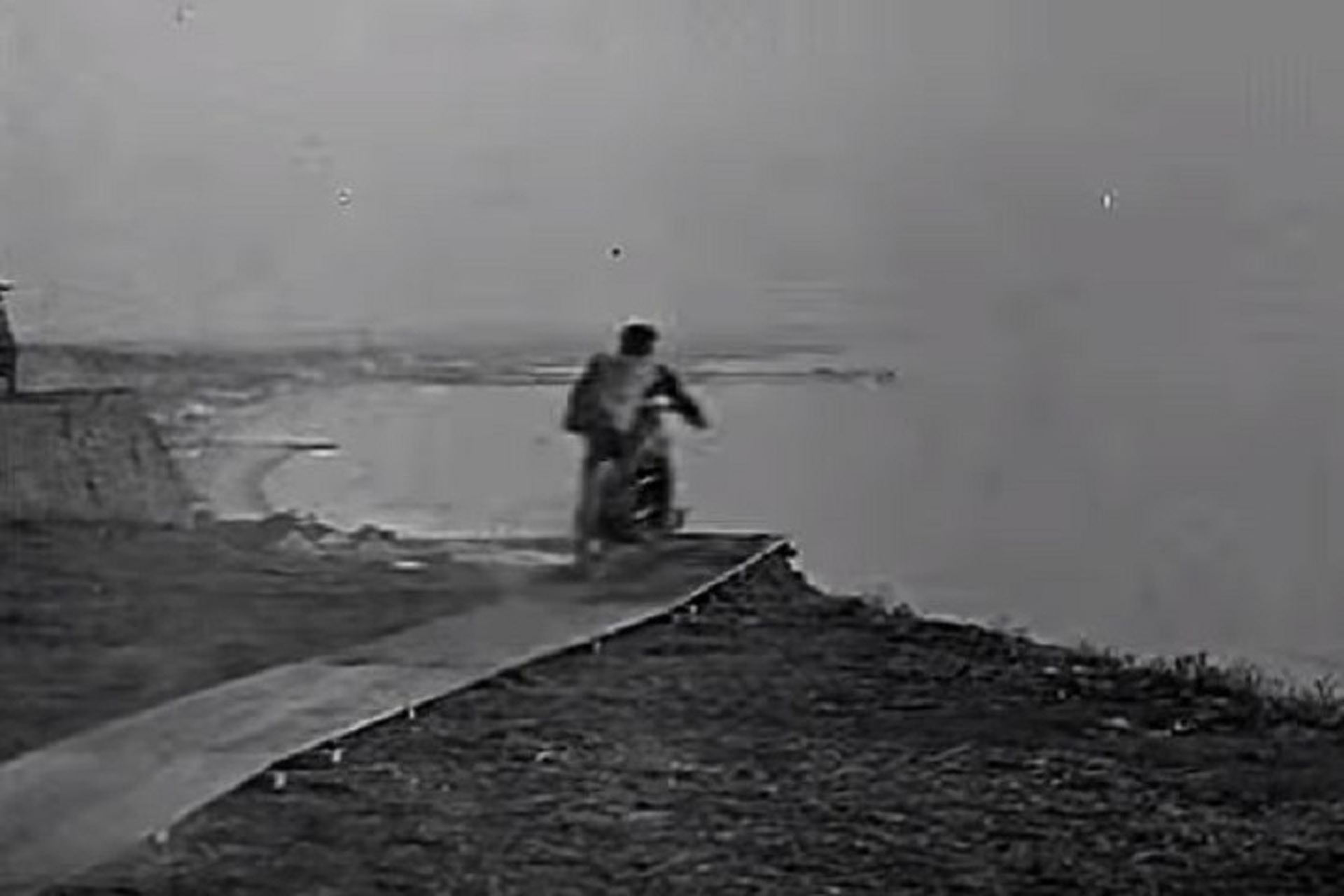 Watch the Failed First Motorcycle Parachute Jump From 1926