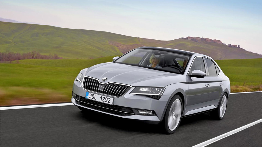 Skoda drops fresh 2015 Superb images