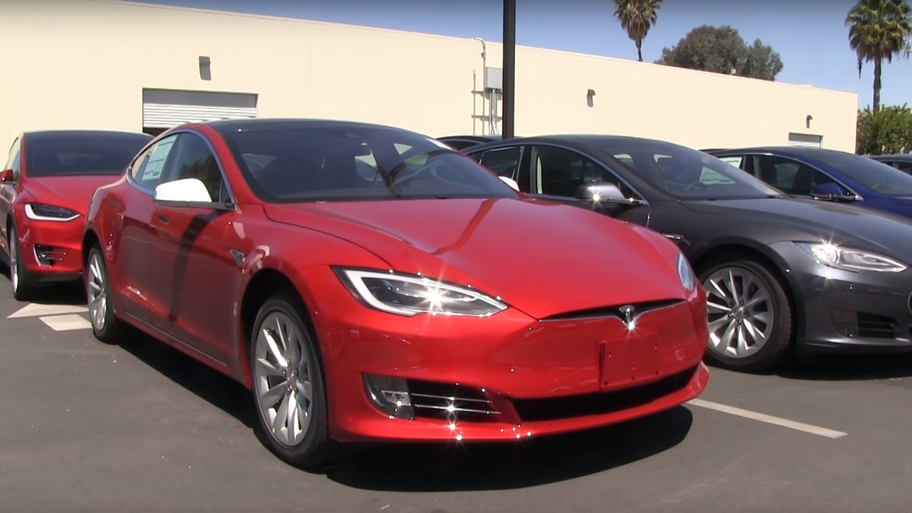 Tesla Model S facelift screenshot from video