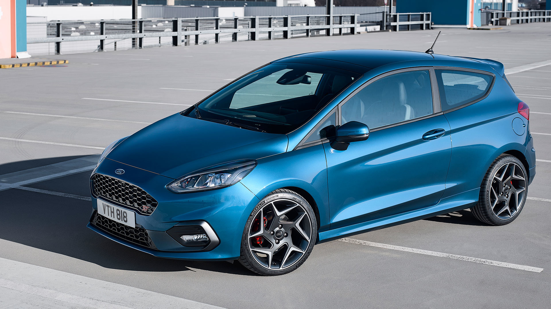 new ford fiesta st brings three cylinders to the hot hatch fight. Black Bedroom Furniture Sets. Home Design Ideas