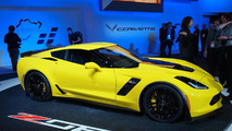 2015 Chevrolet Corvette Z06 goes official with at least 625 bhp [video]