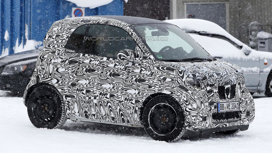 2015 Smart ForTwo spied showing new details