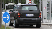 2012 Mercedes GL spy photo - 8.8.2011