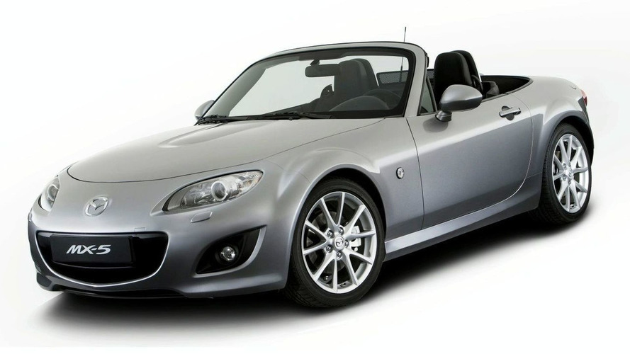 Mazda MX-5 Facelift Photos Leaked