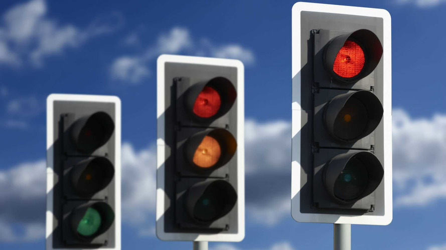 AI-Controlled Street Lights Coming To UK