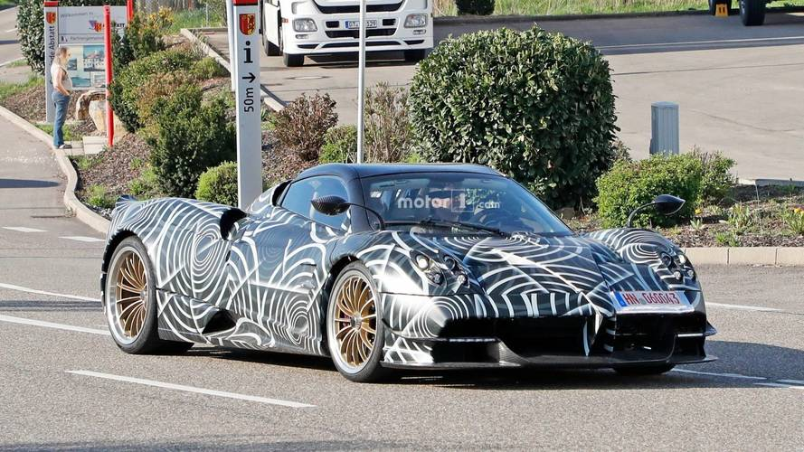 Pagani Huayra BC Roadster Caught Testing With Aggressive Cues