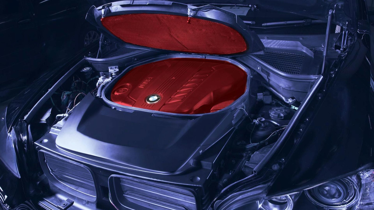 BMW Project Heat insulation on the engine