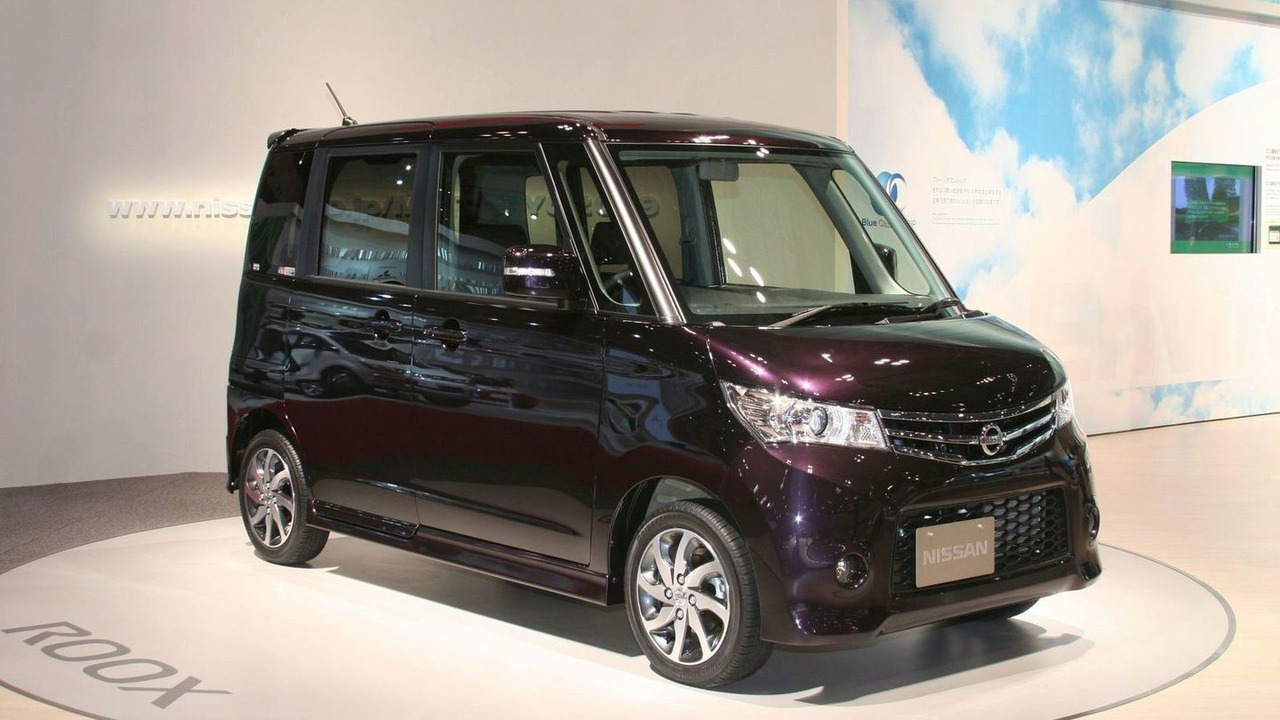 2010 Nissan Roox live in Tokyo