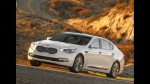 Kia K900 2015 agrega luxo ao estande da Kia no Salão de Los Angeles