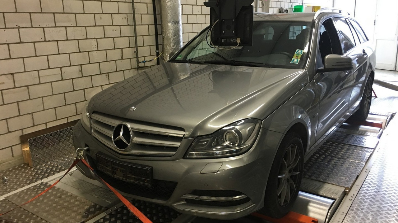 2011 Mercedes C200 CDI Estate tested by DUH