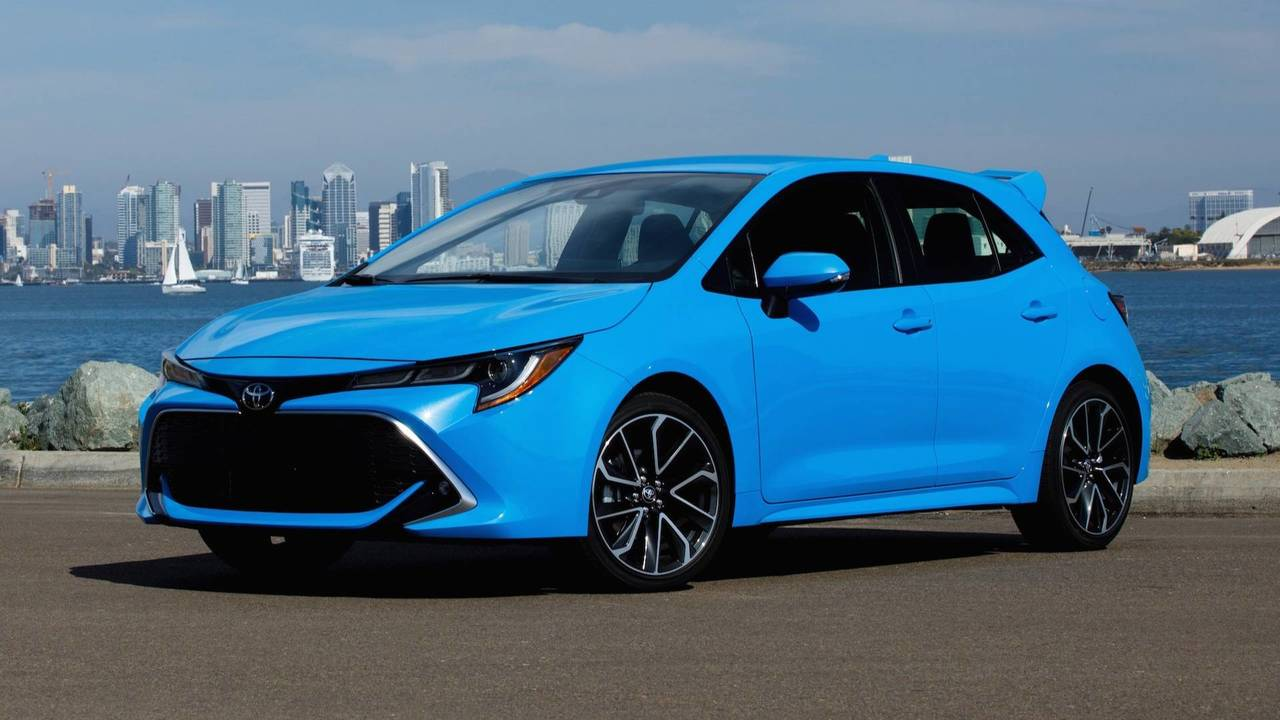 Toyota 6x6 Price >> 2019 Toyota Corolla Hatch Starts At $19,990, Gets Up To 42 MPG