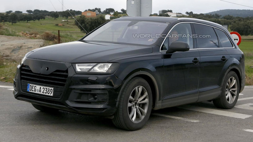 2015 Audi Q7 drops most of its camouflage in latest spy shots