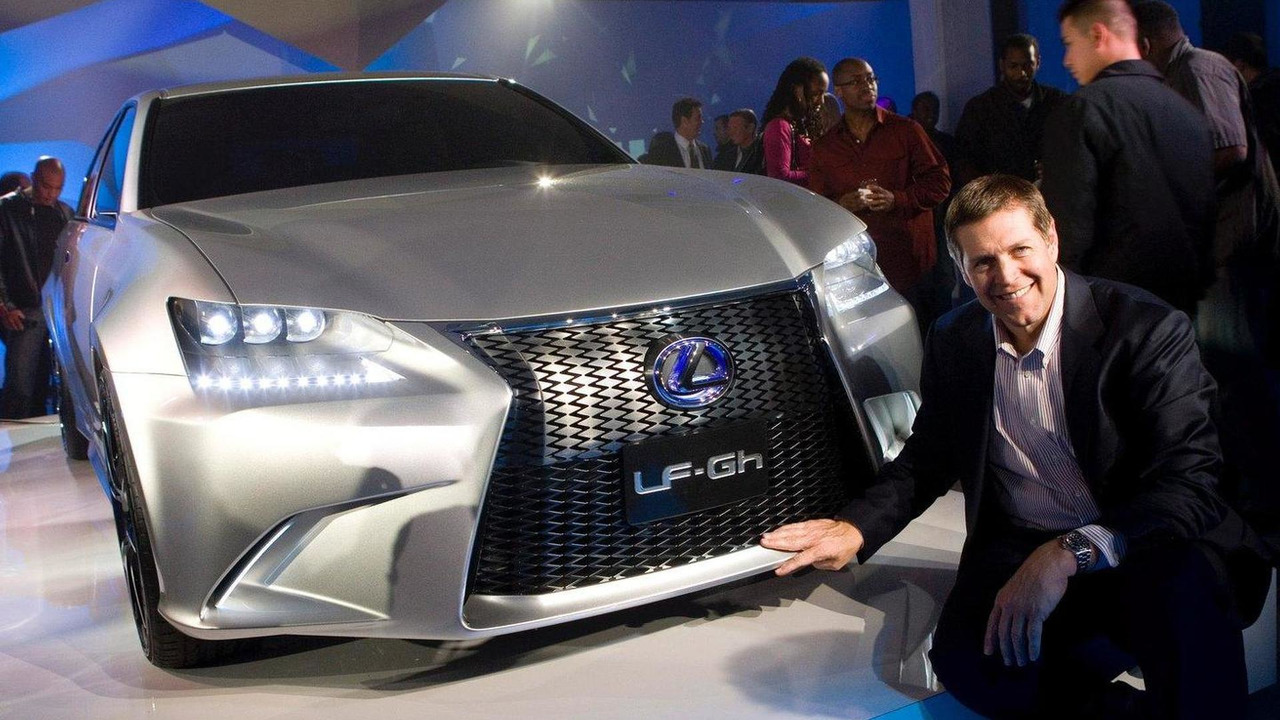 Lexus LF-Gh Hybrid Concept live in New York 19.04.2011